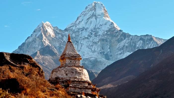 Ama-dablam-peak-nepal 345