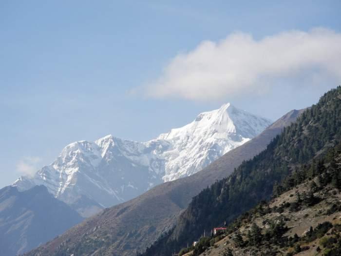 Chulu West Climb (6419m) – 21 days