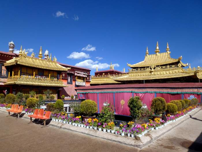 Overland Tour to Lhasa with Everest Base Camp from Kathmandu – 8 days