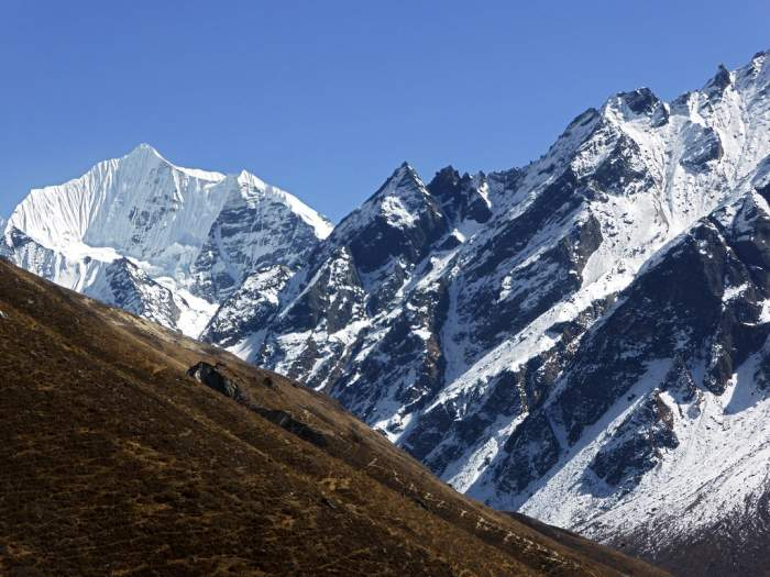 Helicopter tour to Langtang valley – 1 hour