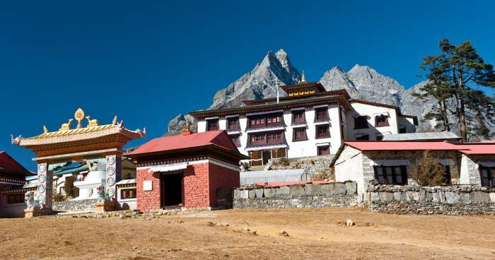 Helicopter tour to Mt. Everest – 3 hours