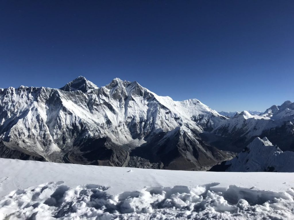 summit mera peak