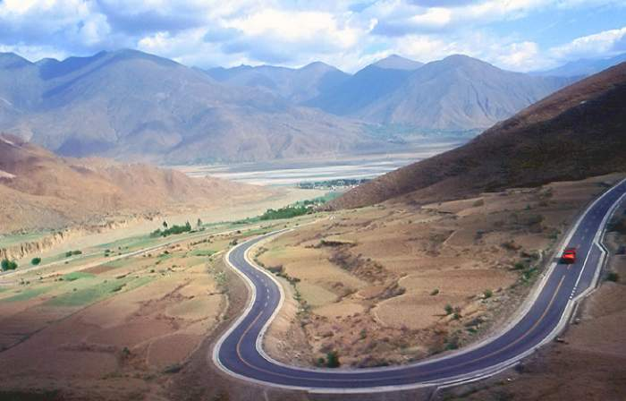 Tibet Bicycle Tour and Everest Base Camp – 20 Days